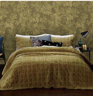 King/cal king comforter set for Sale in Fresno, CA