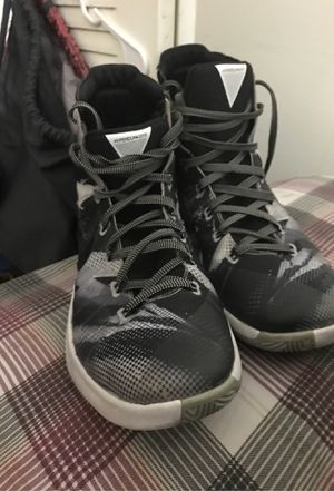 Nike hyperdunks 2015 black and white for Sale in Hialeah, FL