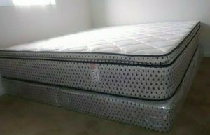 GREAT SALE KING PILLOWTOP MATTRESS AND BOX SPRING for Sale in Biscayne Park, FL