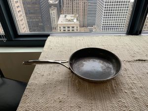 zwilling ja henckels pan 10 inch for Sale in Chicago, IL