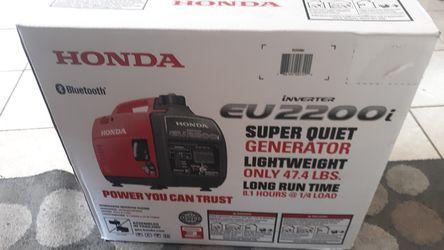 Honda inverter generator eu2200i for Sale in Springfield,  IL