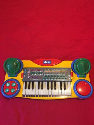 """Authentic """" Chiccos"""" Piano For Kids-15 Instrumental Sound -Almost New for Sale in Los Angeles, CA"""