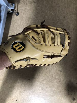 A2000 Wilson first base glove for Sale in Los Angeles, CA
