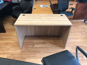 BRAND NEW LUXURY DESK for Sale in Columbus, OH