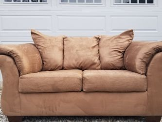 Loveseat OBO for Sale in North Ridgeville,  OH