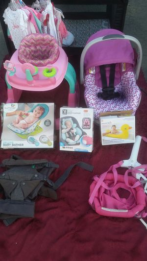 Baby girl bundle for Sale in Madera, CA