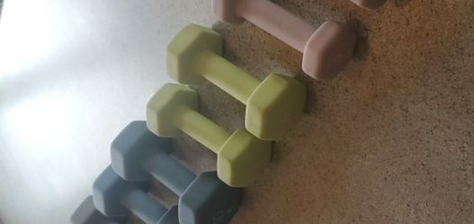 Like New Condition Rubber Dumbbells 3, 6, 10, 12 Selling As A Set Only for Sale in Morton Grove,  IL