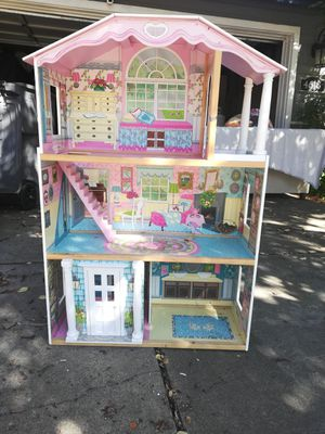 Girls Doll house great condition for Sale in Rocklin, CA
