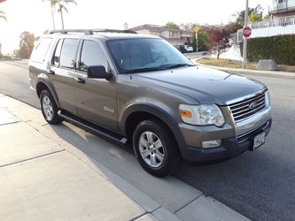 2007 FORD EXPLORER XLT TITULO LIMPIO 3 LINEAS DE ASIENTOS SMOG CHECK LISTO for Sale in Long Beach, CA