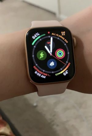 SERIES 4 APPLE WATCH (ROSE GOLD 44mm) for Sale in Yeadon, PA