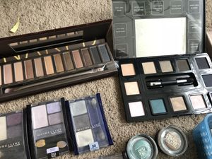 Gently used makeup collection for Sale in Washington, DC