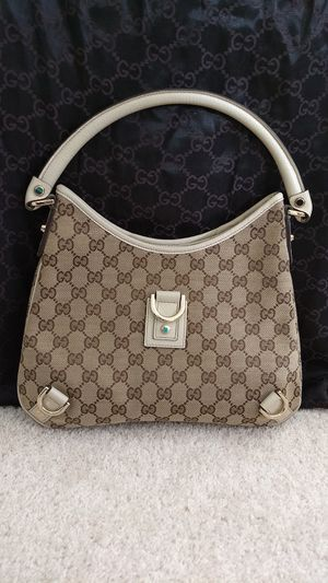 Gucci shoulder bag for Sale in Simi Valley, CA