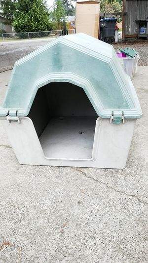 Heavy duty dog house for Sale in Port Orchard, WA