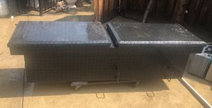 Truck tool box for Sale in Fresno, CA