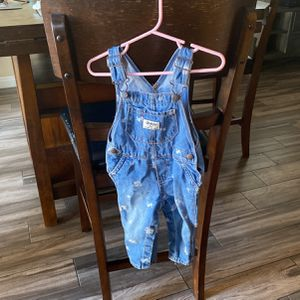 Oshkosh Overalls 18-24 Months for Sale in Los Angeles, CA