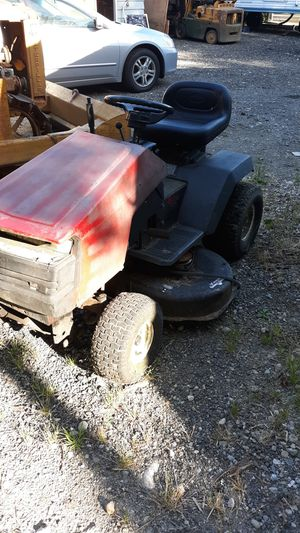 """42"""" craftsman riding lawn mower for Sale in Des Moines, WA"""