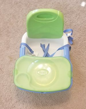 Booster Seat with tray for Sale in Washington, DC