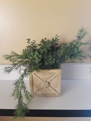 Decorative fake plant for Sale in Flossmoor, IL