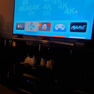 Jail Broken Apple tv box 4k 32gb for Sale in Bloomington, CA