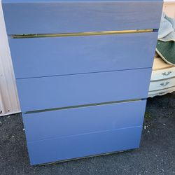 Solid Wood Lane Highboy Dresser - Delivery Available for Sale in Tacoma,  WA