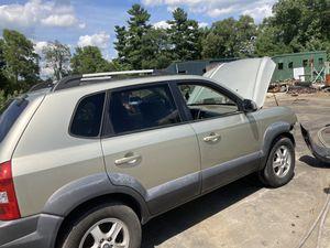 Hyundai tucson for parts!!!! for Sale in Cicero, IL