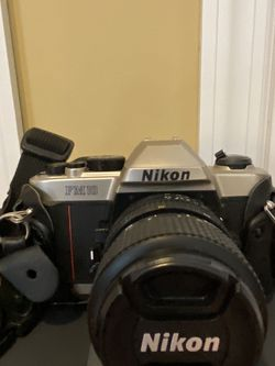 Nikon FM10 35MM SLR Camera with Sigma Zoom for Sale in NJ,  US