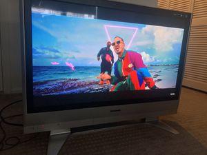"""TV Panasonic TH42PX60U 42"""" for Sale in Miami, FL"""