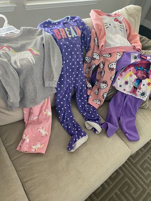 Girls size 4t/4/5 fleece pajamas for Sale in Rowlett, TX