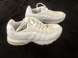 Women's Nike Air Max shoes size 9 1/2 for Sale in Montpelier, MD
