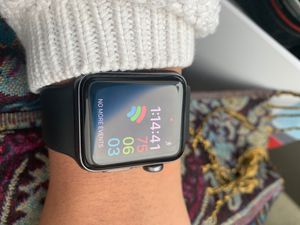 Apple Watch 3- LIKE NEW with original box for Sale in Sugar Land, TX