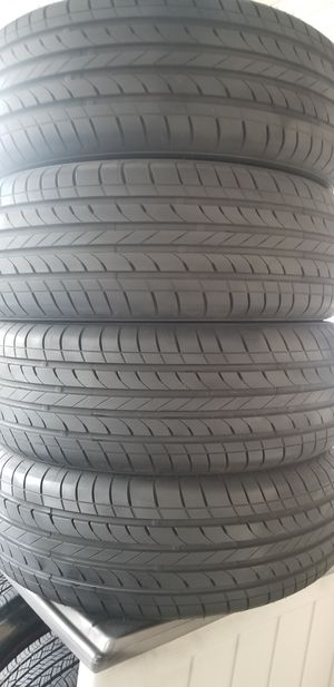 235/65/17 tires for Sale in Germantown, MD