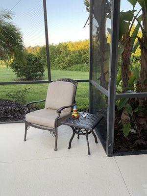 Outdoors Patio Set with Wicker Bench for Sale in Lakewood Ranch, FL