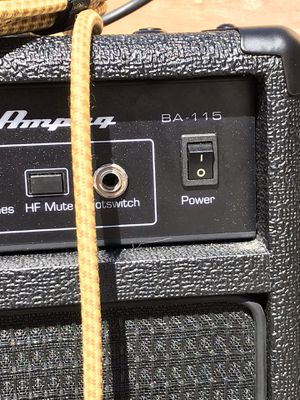 Ampeg ba115 v2 bass combo amplifier 1x15 inch 150 watts for Sale in Long Beach, CA