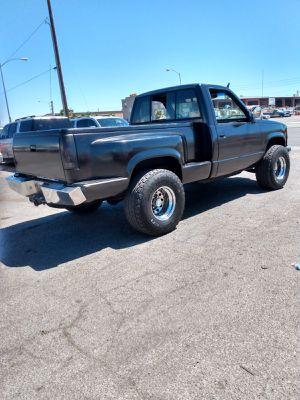CHEVY SILVERADO 4x4 1989* 1500* CALIFORNIAN BOX* STICK SHIFT* ENGINE HEADERS SUPER STRONG * 100 000 MILES* IT RUNS STRONG* SE HABLA ESPAÑOL for Sale in Las Vegas, NV