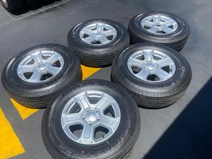 "(5) 17"" Jeep JL Takeoffs + 245/75R17 Bridgestone Dueler H/T - $525 for Sale in Garden Grove, CA"