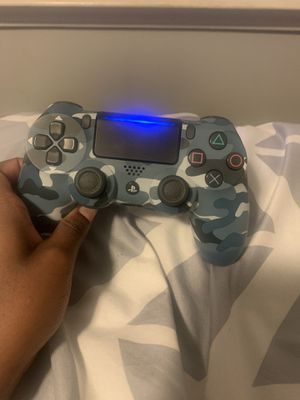 Blue camo ps4 controller for Sale in Greenville, SC