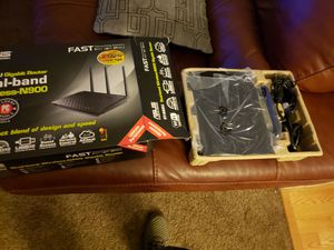 ASUS DAUL BAND WIRELESS-N900 RT-N66U G/B ROUTER for Sale in Denver, CO