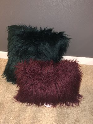 Fluffy Red & Emerald Green Throw Pillows for Sale in Bothell, WA