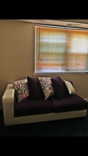 """16"""" One Piece Love Couch for Sale in Washington, DC"""
