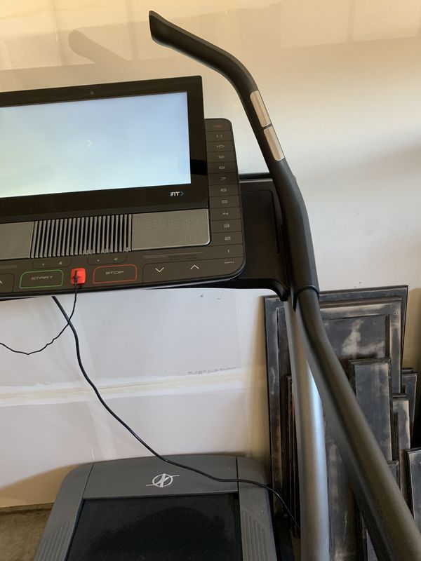 NordicTrack X22i incline treadmill