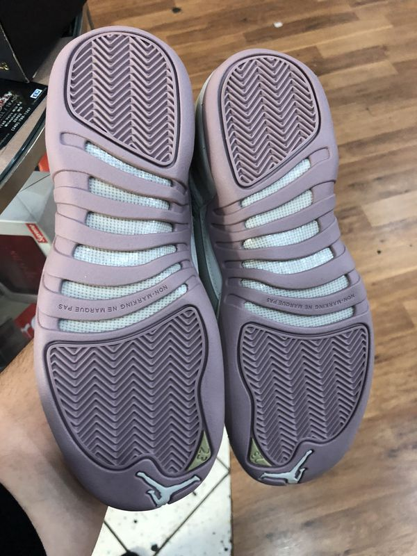 Brand new Heiress plum frog size 7