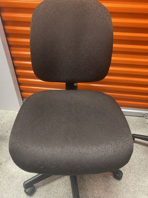 Office chair for Sale in Coral Gables, FL