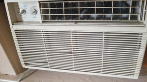 3 used window units Air condition ,working at a full capacity. for Sale in Wardsville, MO