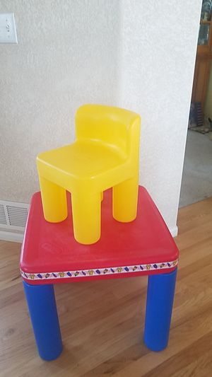 Little tikes square kids table and chair for Sale in Erie, CO