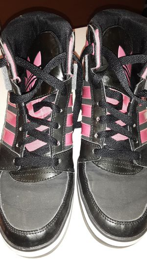 Pink & Black Size 7 Adidas for Sale in Gaithersburg, MD