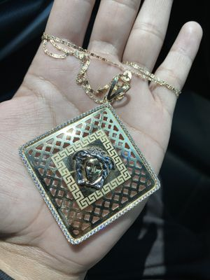 10k Chain with Medusa pendant for Sale in San Leandro, CA