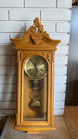 Antique Windup Chiming Clock for Sale in Fresno, CA