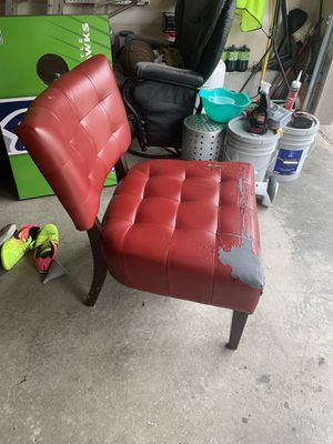 Free red accent chair for Sale in Puyallup, WA
