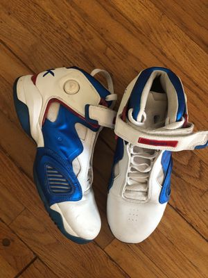 Reebok THE PUMP White/blue sneakers Size 10.5 for Sale in Los Angeles, CA