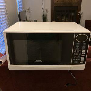 White Countertop Microwave for Sale in Chester, VA